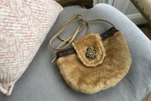 mini sac en fausse fourrure